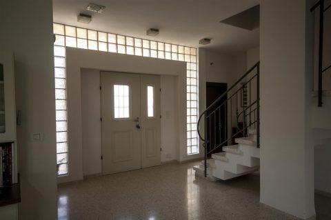בית בסגנון רטרו במצובה